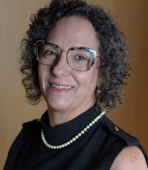 Secretária de Desenvolvimento Econômico - Ilma. Sra. Maria Adélia Espinha de Lima Bueno